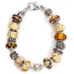 Armbånd med mange flotte smykker