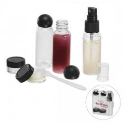 Kosmetiktasker med dåser, spartel og flasker
