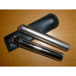 Cylinderlighter i læderetui